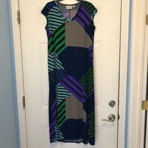 Avenue mid length dress size 14/16